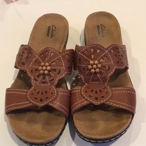 Clarks Brown Beaded Sandals Size 8.5